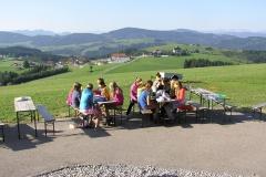 Essen im Freien im Ferienlager Plattenberg